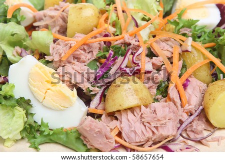 Tuna salad with new potatoes
