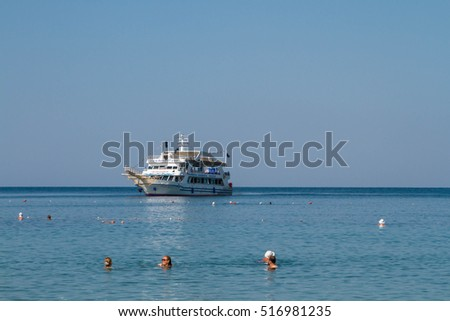 Turkey. Antalya. September 15, 2016. The sea, ship, wave, yacht, excursion
