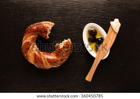 Turkish bagel / Cheese / Olive  - Simit