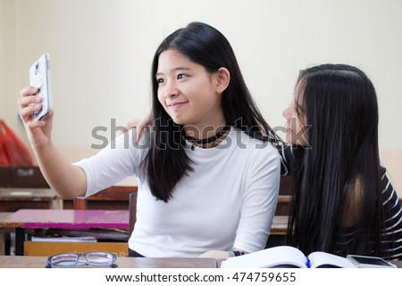 two asia thai teen Best friends girls make picture selfie pic