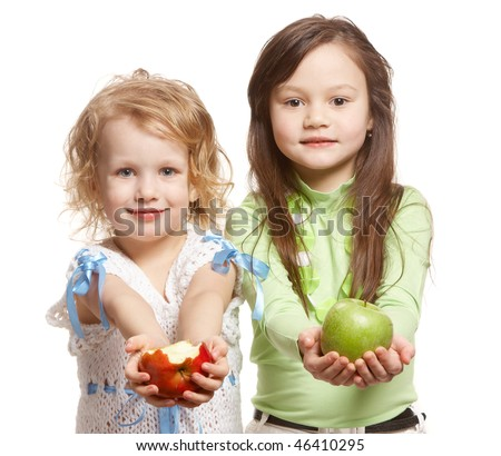 two girls with two apples