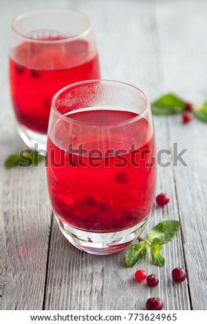 Two glass of punch with the mint