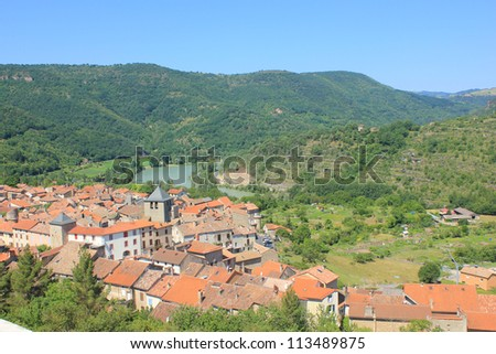 Typical old village on the Tarn river bank, St-Rome de Tarn, France - stock photo