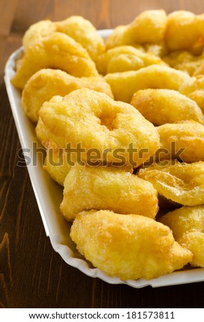 Tzipulas, typical fried cakes made in Sardinia