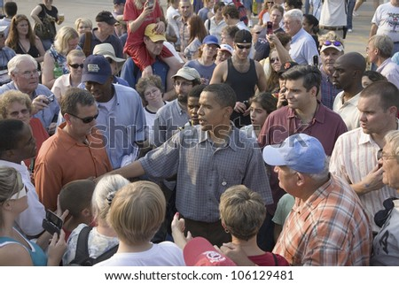 U.S. Senator Barak Obama campaigning for President at Iowa State Fair in Des Moines Iowa, August 16, 2007