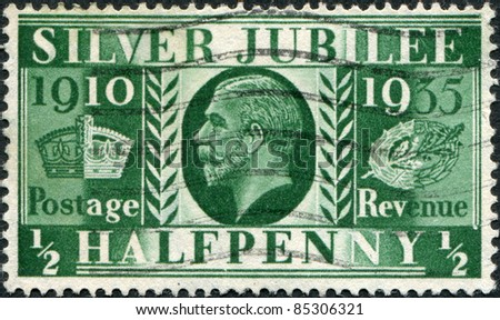 UNITED KINGDOM - CIRCA 1935: A stamp printed in England, devoted to 25th anniversary of the reign of George V, shows George V of the United Kingdom, circa 1935