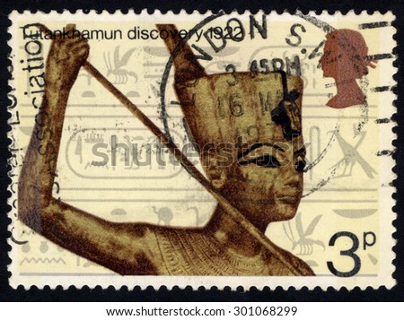 UNITED KINGDOM - CIRCA 1972: A stamp printed in the United Kingdom shows Commemoration of the discovery of Tutankhamun's tomb in 1922, circa 1972