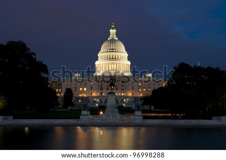 United States Capitol Buidling after sunset, Washington D.C., District of Columbia, USA Kapitol nach dem Sonnenuntergang - stock photo