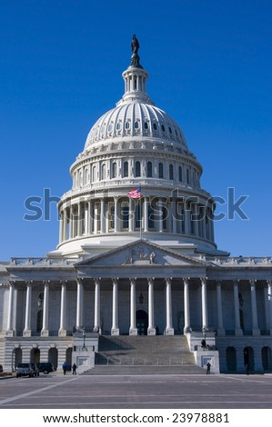 United States capitol Building on a sunny Day with beautiful blue sky