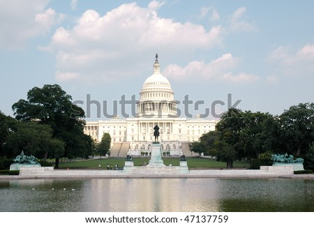 United States Capitol Building, Ulysses S. Grant memorial and reflecting pool