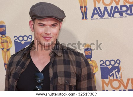 UNIVERSAL CITY, CA - MAY 31, 2009: Actor Kellan Lutz arrives at the 2009 MTV Movie Awards Arrivals at the Gibson Amphitheatre on May 31, 2009 in Universal City, California. - stock photo