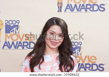 UNIVERSAL CITY, CA - MAY 31: Miranda Cosgrove arrives at the 18th Annual MTV Movie Awards on May 31, 2009 in Los Angeles, California. - stock photo