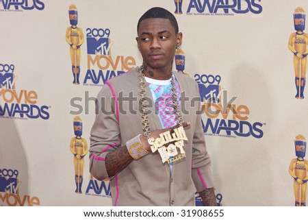 UNIVERSAL CITY, CA - MAY 31: Soulja Boy arrives at the 18th Annual MTV Movie Awards on May 31, 2009 in Los Angeles, California. - stock photo