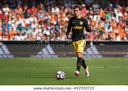 VALENCIA, SPAIN - OCTUBER 2nd: Griezmann during Spanish soccer league match between Valencia CF and Atletico de Madrid at Mestalla Stadium on Octuber 2, 2016 in Valencia, Spain