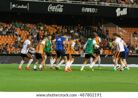 VALENCIA, SPAIN - SEPTEMBER 22nd: Valencia Team during Spanish soccer league match between Valencia CF and Deportivo Alaves at Mestalla Stadium on September 22, 2016 in Valencia, Spain