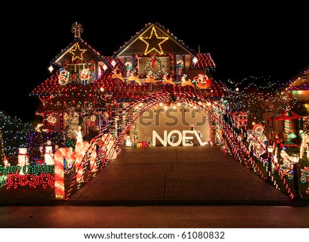 VANCOUVER - DEC 16: This home is one of many on the tour of most beautiful Christmas light displays on Dec 16, 2009 in Vancouver, Canada. - stock photo