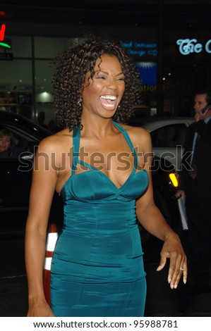 "VANESSA WILLIAMS at the Los Angeles premiere of ""Blood Diamond"" at Grauman's Chinese Theatre, Hollywood. December 6, 2006  Los Angeles, CA Picture: Paul Smith / Featureflash - stock photo"