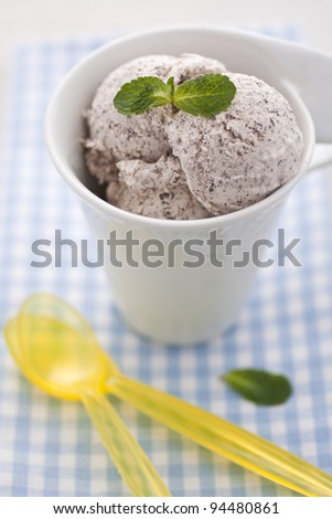 Vanilla ice cream with chocolate crumbs
