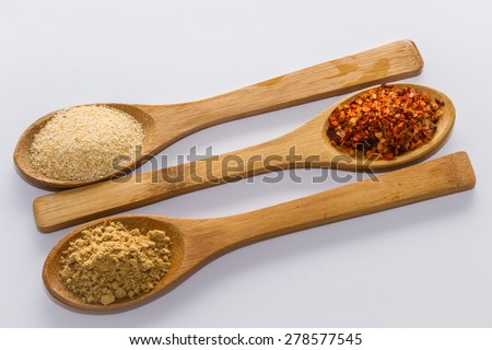 various spices to cook a variety of flavors, ginger, chili, garlic, thyme