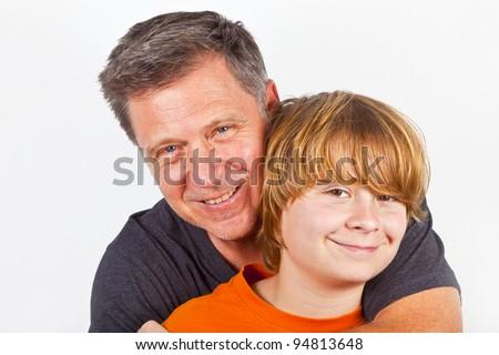 Vater und Sohn schmusen - stock photo