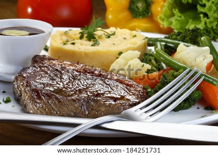 vegetable, roast beef and mashed potatoes