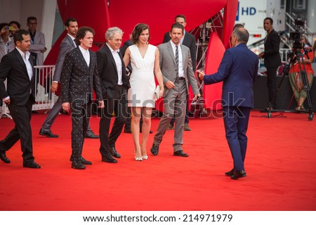 VENICE, ITALY - SEPTEMBER 03: Alberto Barbera, Anton Elchin, Director Michael Almereyda, actors Milla Jovovich and Ethan Hawke attend the 'Cymbeline' premiere during the 71st Venice Film Festival