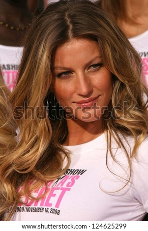 Victoria's Secret models receiving the Key to the City of Hollywood. Grauman's Chinese Theatre, Hollywood, November 15, 2006. - stock photo