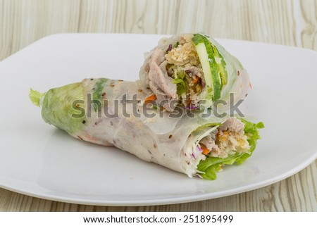 Vietnamese spring roll with pork, shrimp and vegetables
