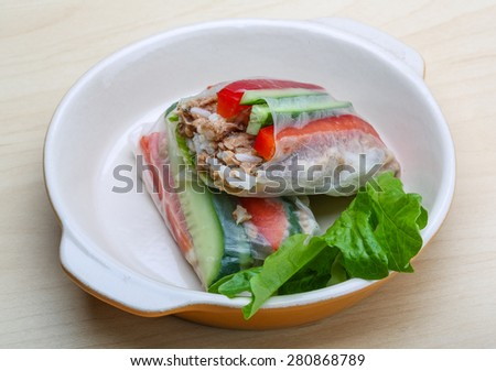 Vietnamese Spring rolls with tuna and salad leaves