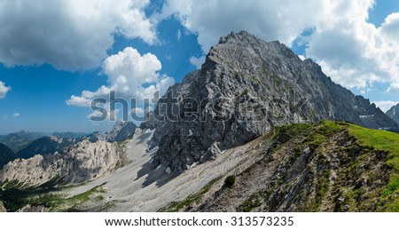 View from Wörner Saddle to Mt. Wörner (Karwendel Range, Bavaria, Germany).