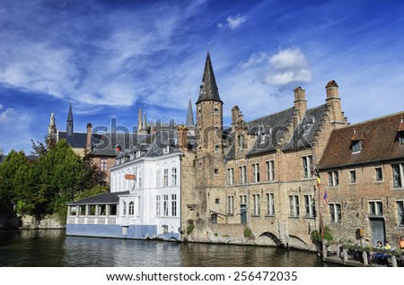 View of the buildings alongside Djiver canal in Bruges - stock photo