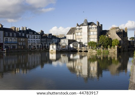 view of the city of landerneau