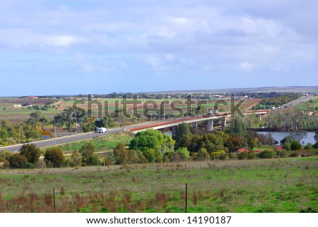 """View of the River Murray and bridge at the town of """"Murray Bridge"""" (Australia). - stock photo"""