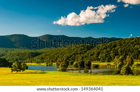 View of the Shenandoah River and Massanutten Mountain, in the Shenandoah Valley, Virginia. - stock photo