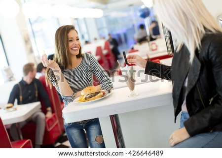 View of the women at the counter in the diner
