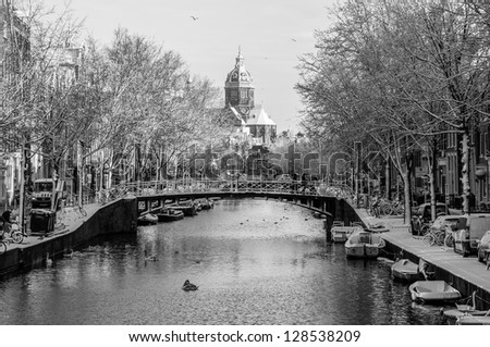 View on De Oude Kerk (The Old Church), Amsterdam Channels - stock photo