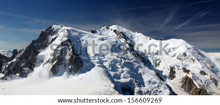 View on the mont Blanc du Tacul, mont Maudit, mont Blanc and l'aiguille du gouter (from left to right)