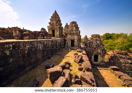 View over Ruins of Phnom Bakheng Temple and jungles around it at Angkor Wat complex, Siem Reap, Cambodia