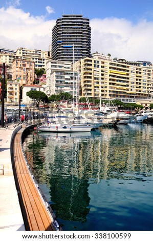 View to Monte Carlo bay with the yacht piers and hotels.