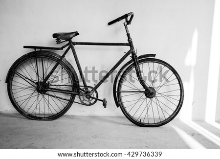 vintage bicycle black and white style