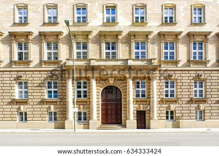 vintage berlin house facade windows pattern in germany guide