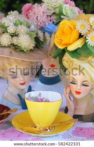 Vintage Lady Head Vases Floral Hats Stock Photo Edit Now 582422101