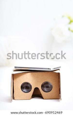 Virtual reality cardboard headset device