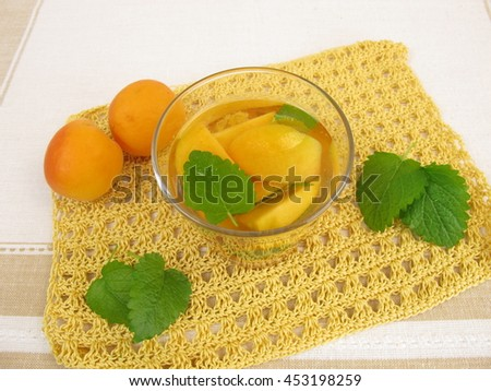 Vitamin water with apricot and lemon balm