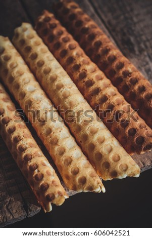 Wafer tubules (with filling, boiled condensed milk)