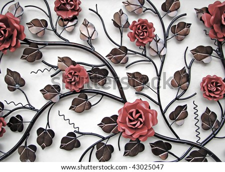 wall decoration in metal flowers