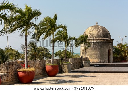 Wall of the old city. The walls were designed in order to protect the Cartagena suffering ongoing attacks. Its construction was carried out in stages, beginning in 1586 and ending in 1721 - stock photo