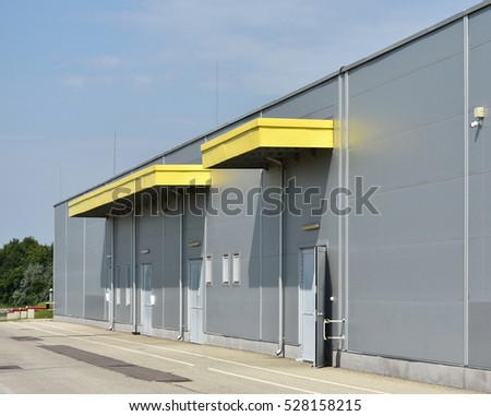 Warehouse Gate Stock Photos Royalty Free Images Amp Vectors