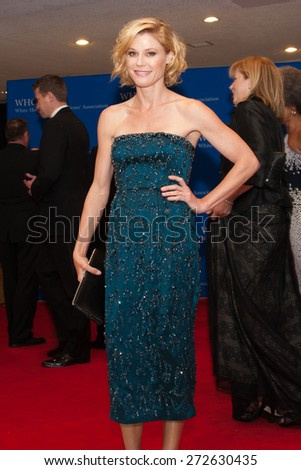 WASHINGTON APRIL 25 â?? Actress Julie Bowen arrives at the White House Correspondentsâ?? Association Dinner April 25, 2015 in Washington, DC - stock photo
