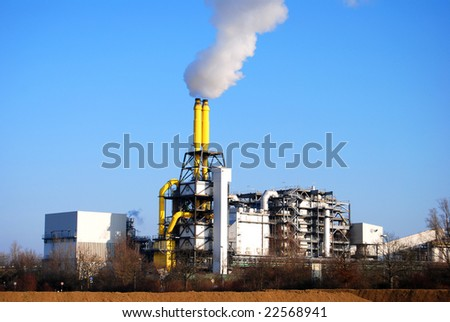 Waste incineration plant with stack